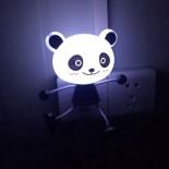 Đèn Ngủ Cảm Ứng Ánh Sáng Gấu Panda YW06
