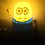 Đèn Ngủ Cảm Ứng Ánh Sáng Minions YW05